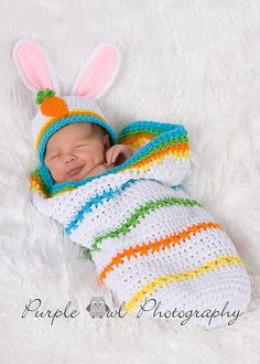 This crochet pattern has instructions for a newborn to 3 months size cocoon with carrot applique and easter egg appliques, and a bunny beanie. Holiday Crochet, Easter Crochet, Crochet Bebe, Crochet For Kids, Crochet Crafts, Crochet Projects, Knit Crochet, Crochet Baby Cocoon, Crochet Baby Clothes