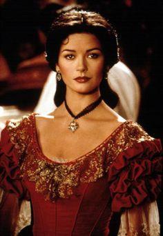 le masque de Zorro (1998) Red Evening Gowns, Makeup Catherine Zeta Jones.