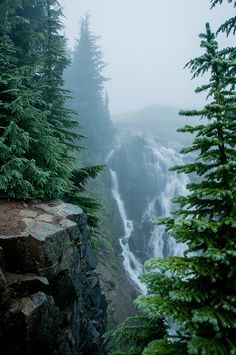Waterfall, The Cascades, Washington photo via thinkings