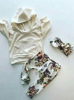 baby girl outfit / baby girl clothes / floral print / Visit your baby … - Kids Fashion Baby Kind, My Baby Girl, Baby Love, Baby Girls, Toddler Girl, Baby Outfits, Kids Outfits, Baby Girl Fashion, Fashion Kids