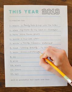 New Years Resolutions free printable sheet.