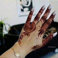 Explore latest Mehndi Designs images in 2019 on Happy Shappy. Mehendi design is also known as the heena design or henna patterns worldwide. We are here with the best mehndi designs images from worldwide. Mehndi Designs 2018, Stylish Mehndi Designs, Dulhan Mehndi Designs, Mehndi Design Pictures, Arabic Mehndi Designs, Beautiful Mehndi Design, Mehendi, Henna Mehndi, Mehandi Designs