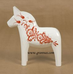 kurbitz dala horse  http://www.grannas.com/mainframe.php?webstore=showArticle&aId=383&table=PRODUKT&&benamning_search=&new=&startpage=&category[0]=2109&&close=2067|2072|2083|2102|2095|2082|2043|2104|2105||2109#