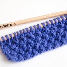 Tout nos points tricot / crochet – Tricot - Strickmuster für Babys Knitting Stitches, Free Knitting, Knitting Patterns, Crochet Patterns, Knitting Ideas, Moss Stitch, Seed Stitch, Fabric Yarn, Knitting For Beginners