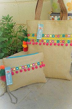 Diy Clutch, Diy Tote Bag, Handmade Fabric Bags, Potli Bags, Crochet Flower Tutorial, Embroidery Bags, Burlap Crafts, Jute Bags, Unique Bags
