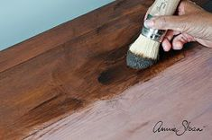 Annie Sloan • Paint & Colour: Faking a rich mahogany look with Chalk Paint® and Wax