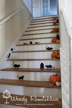 I just smiled out loud at this cute stair decor idea!