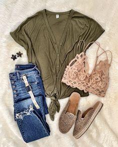 d66a73cb55 MrsCasual | Instagram Fashion Blogger | Teacher, Mom, Women's Style Blog