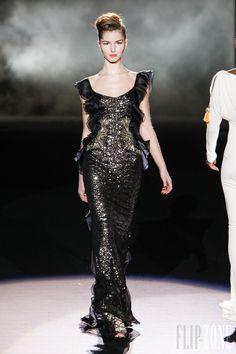 Badgley Mischka - Ready-to-Wear - Fall-winter 2013-2014 - http://en.flip-zone.com/fashion/ready-to-wear/fashion-houses-42/badgley-mischka-3532 - ©PixelFormula