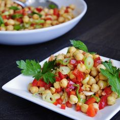 Easy and Healthy Chickpea Salad. Takes less than 10 minutes to make and is so delicious! #Vegan #recipe #glutenfree