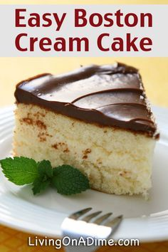 When I am in hurry and need to make a quick dessert for our summer bbqs, this Easy Boston Cream Poke Cake is perfect. The recipe is so super simple and uses a boxed cake mix, pudding, and store bought frosting. Mini Desserts, Easy Desserts, Delicious Desserts, Cream Pie Recipes, Cake Mix Recipes, Baking Recipes, Dessert Recipes, Oreo Dessert, Quick Dessert