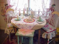 A Charming Cottage Breakfast