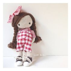 Isabelle Kessedjian crochet doll- this is so great! Love Crochet, Crochet Baby, Knit Crochet, Crochet Amigurumi, Amigurumi Doll, Knitted Dolls, Crochet Dolls, Pet Toys, Doll Toys