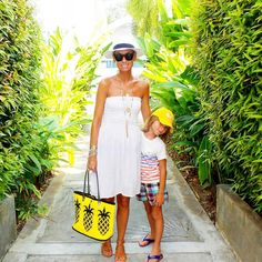 """#YELLOW #PINEAPPLE  #SkippingGirl #Tropical #BeachLife #ResortStyle #Australia  @annamavridis"""