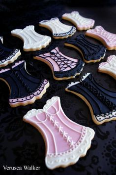 We love lingerie and these cookies would be perfect for a bachelorette party or a bridal shower! To update the look, we recommend rich jewel tones like burgundy and teal to complement the black.