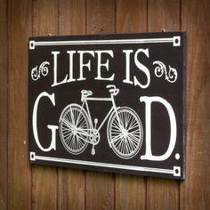 Voilà une déclaration qui affirme haut et fort votre état d'esprit et votre goût pour le vélo. Avec son graphisme classique, sa typographie faite à la main