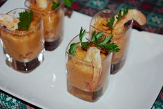 Curry flavoured chickpeas cream with shrimps