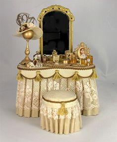 Lady's Vanity Display by Cynthia Howe Miniature Rooms, Miniature Furniture, Dollhouse Furniture, Antique Vanity, Vintage Vanity, Antique Lace, Diy Dollhouse, Dollhouse Miniatures, Dressing Table Vanity