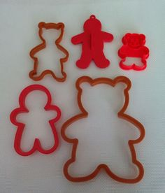 Lot of Teddy Bear and Gingerbread Men Cookie Cutters !  #Wilton