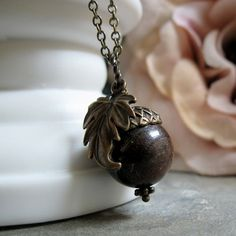 Acorn pendant and necklace.  http://www.etsy.com/shop/stefenystanyer