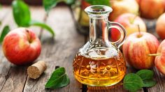 Apple cider vinegar uses and benefits. How to use apple cider vinegar for skin and hair. healthy benefits of apple cider vinegar Apple Cider Vinegar Remedies, Apple Cider Vinegar For Skin, Apple Cider Vinegar Benefits, Get Rid Of Corns, Migraine Home Remedies, Migraine Headache, Apple Health Benefits, Canned Apples, Blood Pressure Remedies