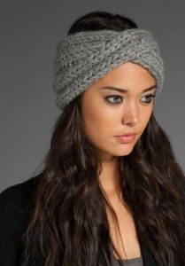 Warm winter turban...a little more stylish than earmuffs. I need to figure out how to make this!!