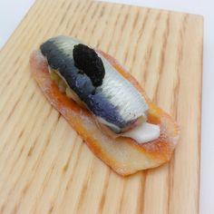 Garbancita® : Restaurante RiFF - ValenciaCoca valenciana con berenjena asada, sardina marinada y puré de aceituna negra