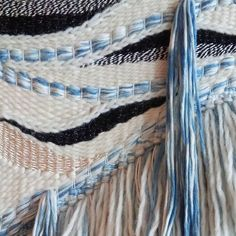 Goodmorning. Looking forward to get some weaving done today#nomvolvankleur…