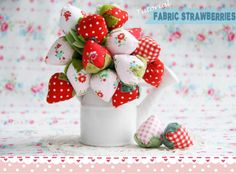sew, red brolli, tutorials, templates, strawberri bouquet, shades of red, diy craft, fabric strawberriesthes, bowls