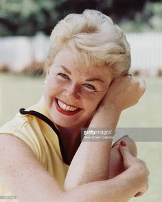 <a gi-track='captionPersonalityLinkClicked' href=/galleries/search?phrase=Doris+Day&family=editorial&specificpeople=207120 ng-click='$event.stopPropagation()'>Doris Day</a>, US actress and singer, smiling and resting her head against her arm, circa 1960.