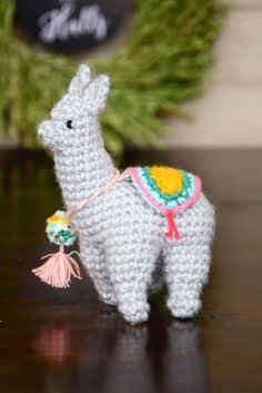 I found this free crochet llama pattern in German and I couldn't resist making it! This is the first time that I've ever successfully completed a project written in a different language…