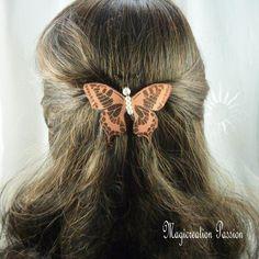 barrette française 6 cm papillon soie orange pailleté, perles blanches,  collection Maéva, coiffure romantique, printemps, made in France