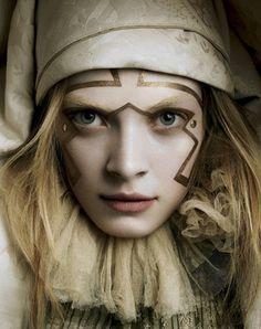 Julia Dunstall by Michelangelo di Battista for Vogue Italia November 2006 Makeup Art, Beauty Makeup, Hair Makeup, Pierrot Clown, Foto Art, Fantasy Makeup, Costume Makeup, Clown Makeup, Portraits
