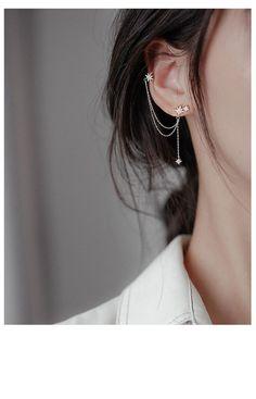 Pretty Ear Piercings, Ear Peircings, Different Ear Piercings, Unique Piercings, Simple Jewelry, Cute Jewelry, Silver Earrings, Emerald Earrings, Silver Ear Cuff