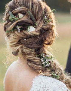 Beautiful braided boho wedding hair inspiration to inspire you - Wedding Hair Styles Bridal Hairstyles With Braids, Dress Hairstyles, Loose Hairstyles, Bride Hairstyles, Bridesmaid Hair Half Up, Curly Wedding Hair, Wedding Hair Inspiration, Hair Videos, Hair Beauty