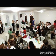 Breakfast at Defense of Faith Ministries.  Café da Manhã no Ministério Defesa da Fé.