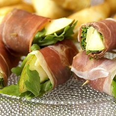 prosciutto, pear and rocket rolls