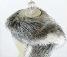 Wrap up in this Luxury Faux Fur Collar!  Sewing Tutorial created for Fabric Depot @fabricdepot -  by @sew4home Sew4Home | Transform Your Space. Features our Island Raccoon Faux Fur http://www.shannonfabrics.com/faux-fur/specialty/island-raccoon-fur-charcoal-beige