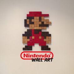 Nintendos Mario dekorative Wandkunst in Eiche massiv von UpUpSquare