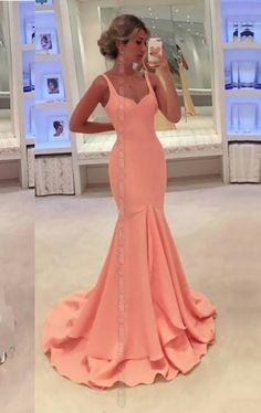 Fairy Deniz Kızı Abiye. Ürün 300 gram scuba kumaştan üretilmiştir. Balık model olan elbisenin etek kısımlarında katlar bulunmaktadır. Balık modelin zerafeti ve renk seçenekleriyle davetlerin yada özel günlerinizin gözdesi olabilirsiniz.
