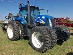 New  Holland T8050