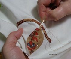Excellent site for hand applique techniques...