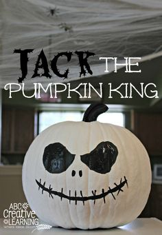 Jack Skellington The Pumpkin King Halloween Pumpkin Craft Idea! Easy no carving Halloween Pumpkin for the Nightmare Before Christmas and Disney fan! Disney Halloween, Halloween Boo, Holidays Halloween, Halloween Pumpkins, Halloween Crafts, Happy Halloween, Halloween Decorations, Preschool Halloween, Halloween Goodies