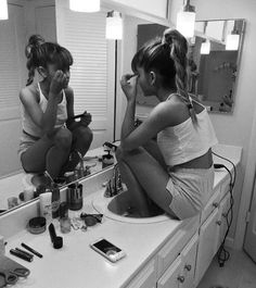 You dont need make up ariana grande. You are beautiful just the way you are You dont need make up ariana grande. You are beautiful just the way you ar Ariana Grande Fotos, Ariana Grande Makeup, Ariana Grande Tumblr, Nickelodeon Victorious, Ariana Grande Wallpaper, The Way You Are, Lorde, You Are Beautiful, Celebs