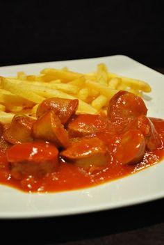 Milde Currywurst mit fruchtiger Soße