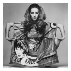 Claudine Auger in Roy Lichtenstein print poncho by Biki with silk fabric by Yermi di Como. Photographed by Ugo Mulas, 60s And 70s Fashion, Quirky Fashion, Retro Fashion, Vintage Fashion, Fashion Mag, Britt Ekland, Claudine Auger, Hippie Man, Bond Girls