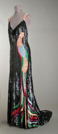 Worth Bird of Paradise Sequined Evening Gown for Sale at Auction on Wed, - - Couture and Accessories 1930s Fashion, Art Deco Fashion, Vintage Fashion, Vintage Couture, Vintage Beauty, Timeless Fashion, Vintage Gowns, Vintage Outfits, Vintage Clothing