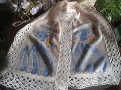 Gorgeous Vintage Shabby Chic Embroidered Crinoline Lady Lace Table Runner 39.5