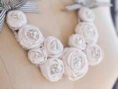Цветы из ткани, ожерелье из роз