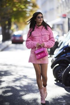 Photo of Sara Sampaio Was Pretty in Pink in an Isabel Marant Sweater and PVC Skirt Japan Spring Fashion, Spring Fashion Trends, Trending Fashion, What's Trending, Winter Fashion, Arty Fashion, Fashion Photo, Fashion Models, Fashion Outfits